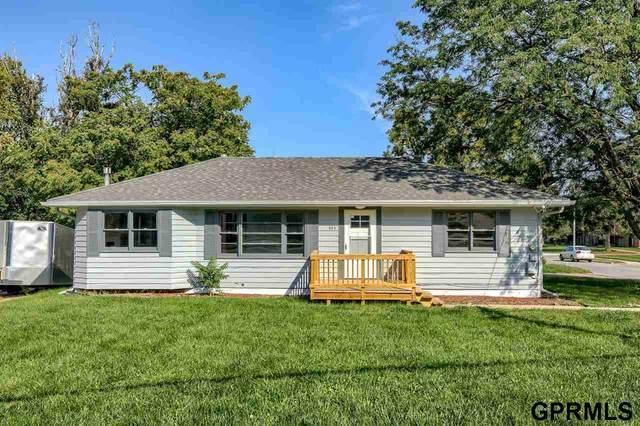 653 N 85 Street, Omaha, NE 68114 (MLS #22121616) :: Don Peterson & Associates