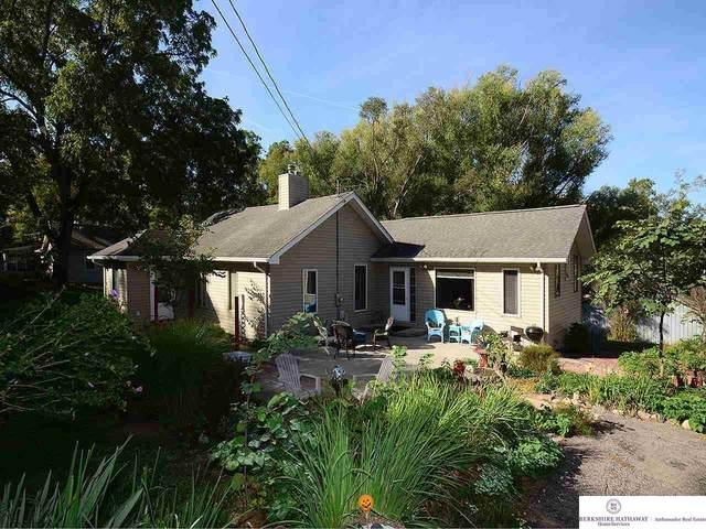 7404 N 41 Street, Omaha, NE 68112 (MLS #22121756) :: Lincoln Select Real Estate Group