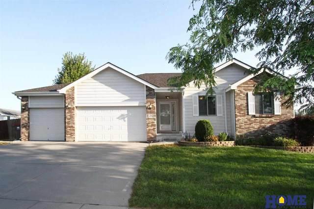 2552 W Peach Street, Lincoln, NE 68522 (MLS #22121834) :: Berkshire Hathaway Ambassador Real Estate