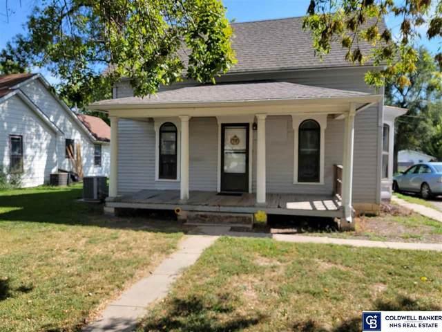 1614 N Iowa Avenue, York, NE 68467 (MLS #22121837) :: Lighthouse Realty Group
