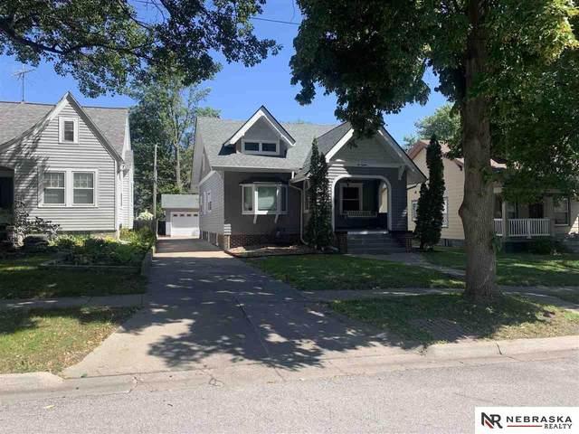 618 S 32Nd Street, Lincoln, NE 68510 (MLS #22121838) :: One80 Group/KW Elite