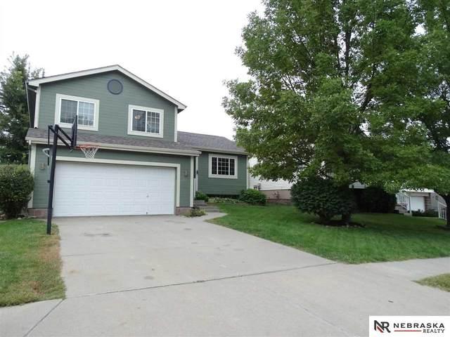 18715 V Street, Omaha, NE 68135 (MLS #22121849) :: Don Peterson & Associates