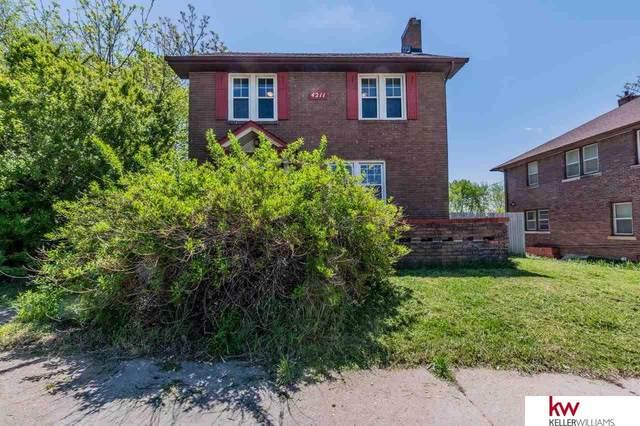 4211 Cuming Street, Omaha, NE 68131 (MLS #22121915) :: Berkshire Hathaway Ambassador Real Estate