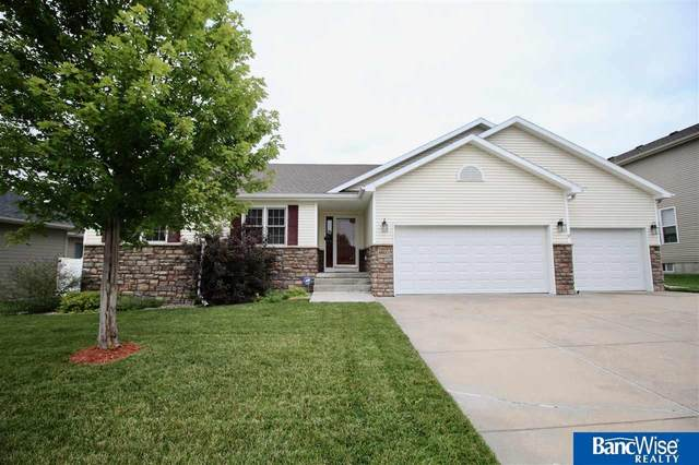 4800 S 75th Street, Lincoln, NE 68516 (MLS #22121971) :: Lighthouse Realty Group
