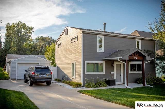 2712 S 46th Avenue, Omaha, NE 68106 (MLS #22121976) :: Catalyst Real Estate Group