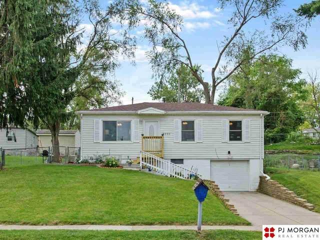 2305 Emiline Street, Bellevue, NE 68147 (MLS #22121981) :: Don Peterson & Associates