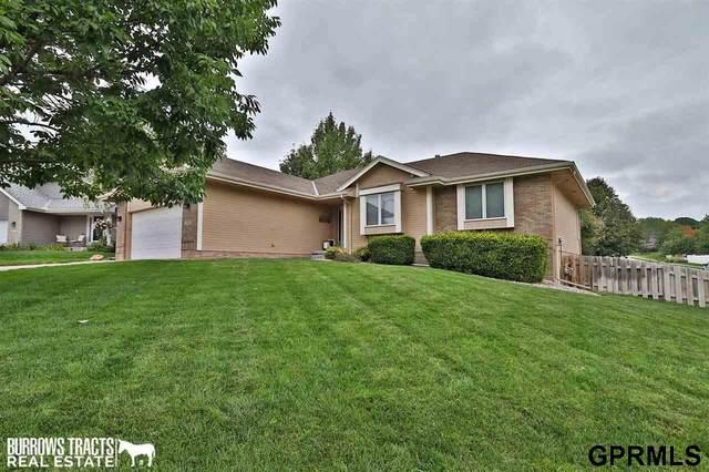 15352 Sherwood Circle, Omaha, NE 68116 (MLS #22121989) :: Omaha Real Estate Group