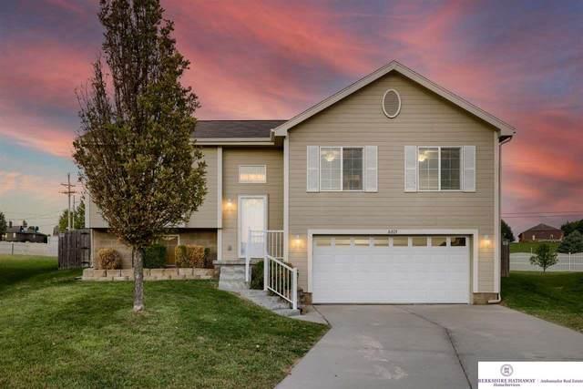 16825 Browne Circle, Omaha, NE 68116 (MLS #22121991) :: Don Peterson & Associates