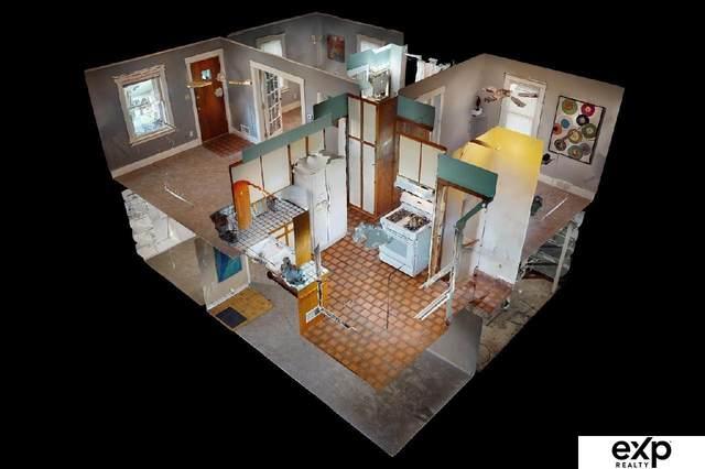 1917 S 61st Street, Omaha, NE 68106 (MLS #22121997) :: Berkshire Hathaway Ambassador Real Estate
