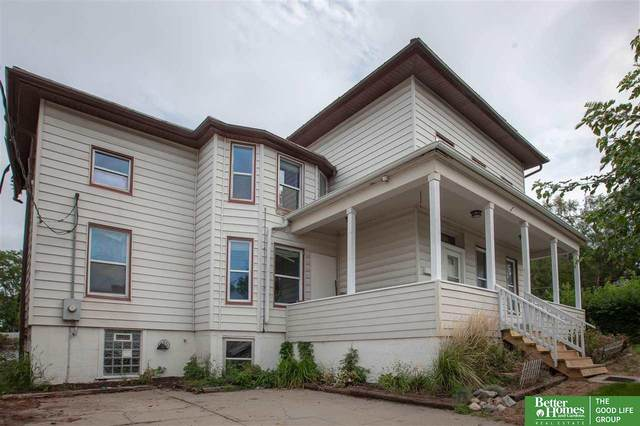 3304 Davenport Street, Omaha, NE 68131 (MLS #22122025) :: Berkshire Hathaway Ambassador Real Estate