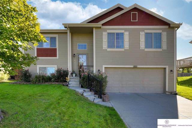 13811 S 44 Street, Bellevue, NE 68123 (MLS #22122042) :: Cindy Andrew Group