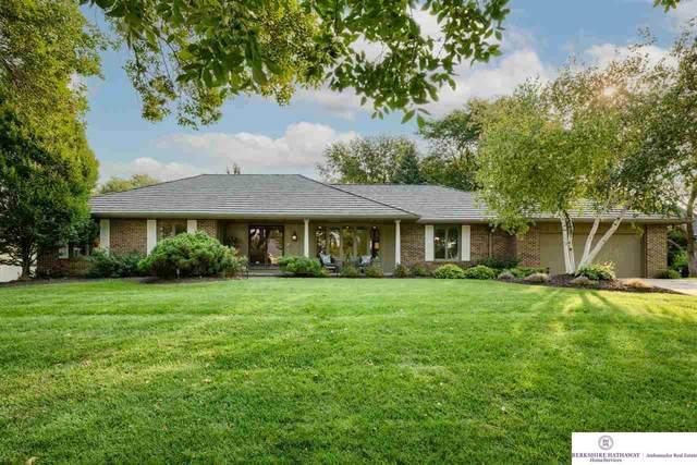 9945 Devonshire Drive, Omaha, NE 68114 (MLS #22122100) :: Omaha Real Estate Group