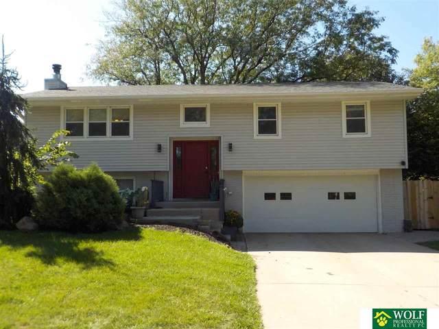 601 Teakwood Drive, Lincoln, NE 68510 (MLS #22122114) :: Lighthouse Realty Group