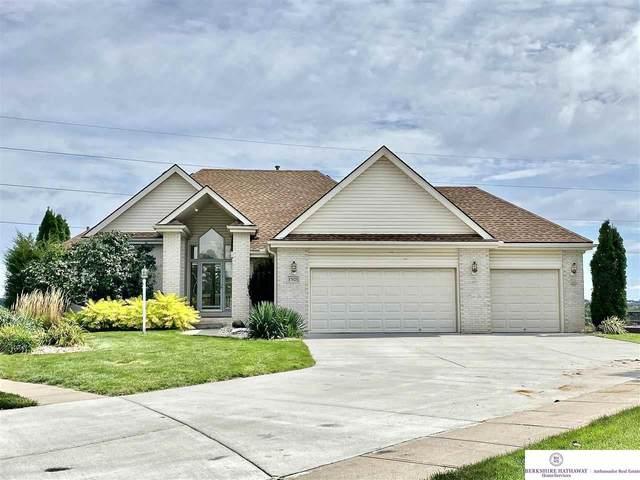 17025 Hamilton Circle, Omaha, NE 68118 (MLS #22122252) :: Elevation Real Estate Group at NP Dodge