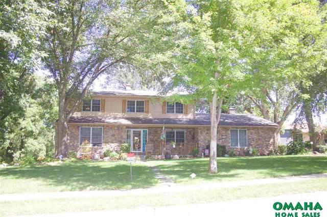 8715 Raven Oaks Drive, Omaha, NE 68152 (MLS #22122344) :: Complete Real Estate Group