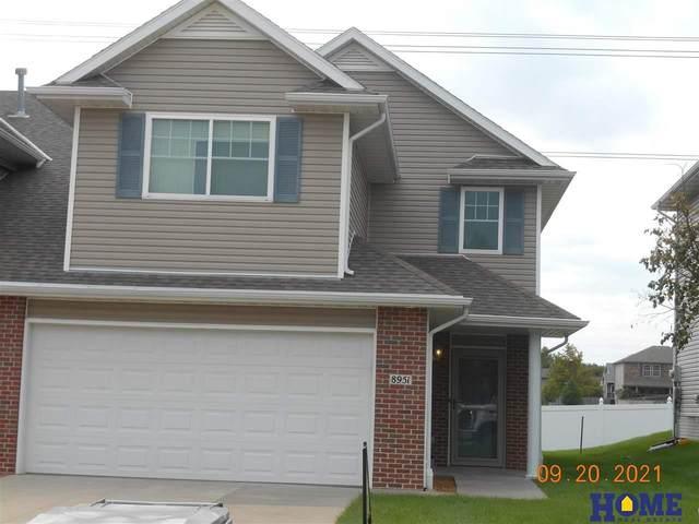 8951 Broken Spoke Drive, Lincoln, NE 68507 (MLS #22122353) :: kwELITE