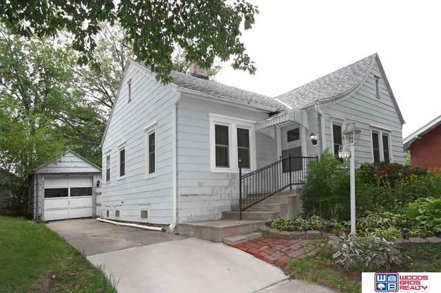 2021 Jefferson Avenue, Lincoln, NE 68502 (MLS #22122360) :: Elevation Real Estate Group at NP Dodge