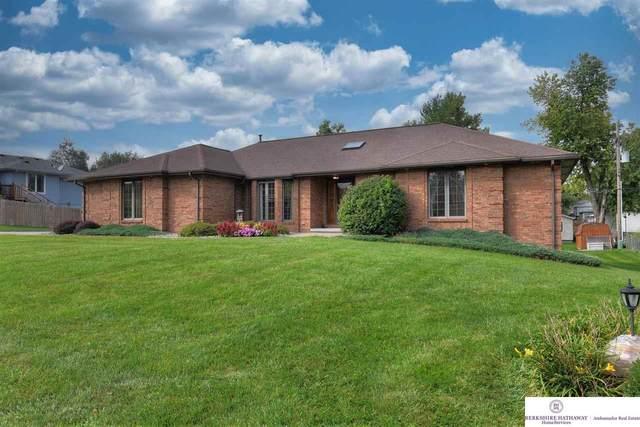 350 Chestnut Street, Springfield, NE 68059 (MLS #22122433) :: Lincoln Select Real Estate Group