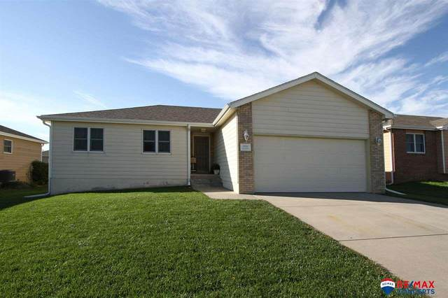 8801 Leighton Avenue, Lincoln, NE 68507 (MLS #22122478) :: Elevation Real Estate Group at NP Dodge