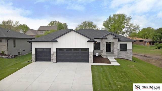 1101 S 88th Street, Lincoln, NE 68520 (MLS #22122493) :: Elevation Real Estate Group at NP Dodge