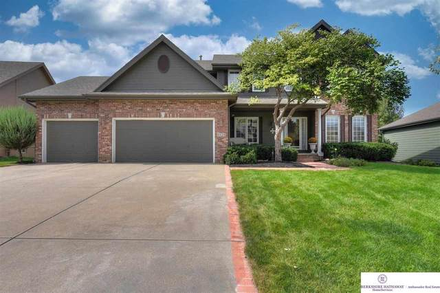 6526 N 158 Street, Omaha, NE 68116 (MLS #22122527) :: Elevation Real Estate Group at NP Dodge