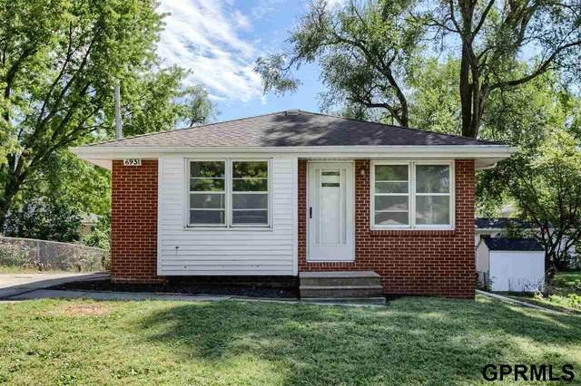 6931 Leighton Avenue, Lincoln, NE 68507 (MLS #22122536) :: Catalyst Real Estate Group