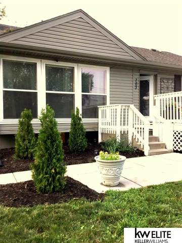 703 S 27 Street, Council Bluffs, IA 51501 (MLS #22122543) :: Complete Real Estate Group