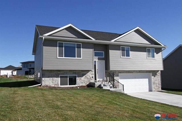 9720 Forest Glen Drive, Lincoln, NE 68526 (MLS #22122556) :: Complete Real Estate Group