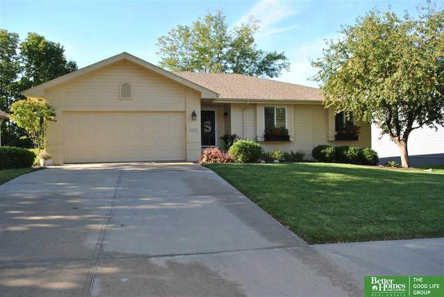 15121 Lake Street, Omaha, NE 68116 (MLS #22122557) :: Elevation Real Estate Group at NP Dodge