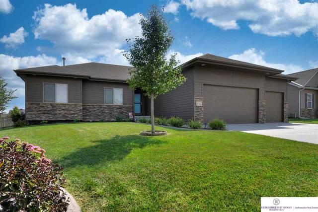 811 Fall Creek Road, Papillion, NE 68133 (MLS #22122591) :: Dodge County Realty Group