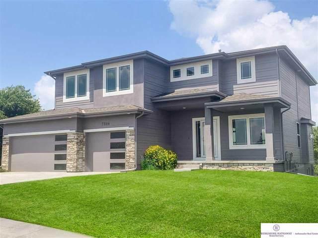 10010 S 187th Avenue, Omaha, NE 68136 (MLS #22122742) :: Lincoln Select Real Estate Group