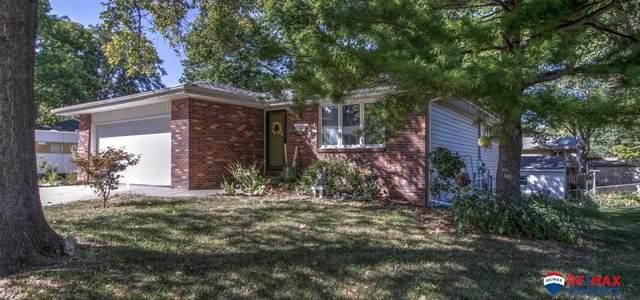 5920 Deerwood Drive, Lincoln, NE 68516 (MLS #22122781) :: Omaha Real Estate Group