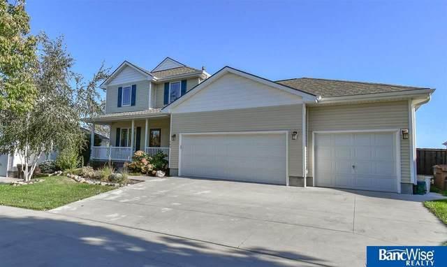 143 W Lombard Drive, Lincoln, NE 68521 (MLS #22122787) :: The Briley Team