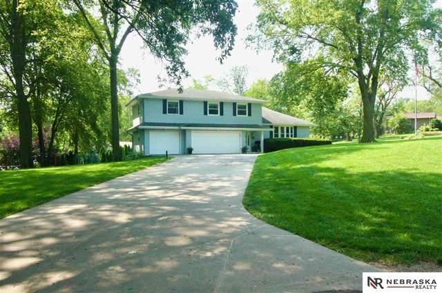 5805 Highland Drive, Papillion, NE 68133 (MLS #22122817) :: Lincoln Select Real Estate Group