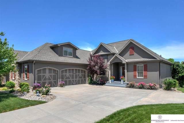 17104 Sherwood Avenue, Omaha, NE 68116 (MLS #22122897) :: Cindy Andrew Group