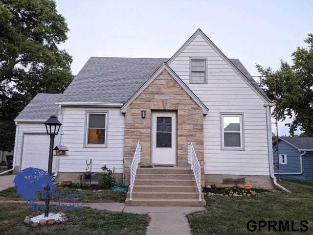 312 N Blackburn Avenue, York, NE 68467 (MLS #22123092) :: Lincoln Select Real Estate Group