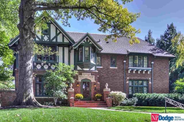 105 N 55 Street, Omaha, NE 68132 (MLS #22123097) :: Don Peterson & Associates