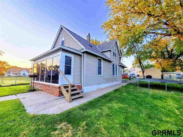 3716 V Street, Omaha, NE 68107 (MLS #22123127) :: Complete Real Estate Group