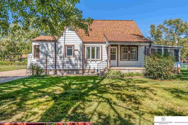 8324 Cuming Street, Omaha, NE 68114 (MLS #22123131) :: Lincoln Select Real Estate Group