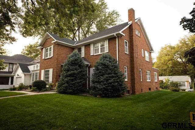 1402 1st Avenue, Nebraska City, NE 68410 (MLS #22123207) :: Lincoln Select Real Estate Group