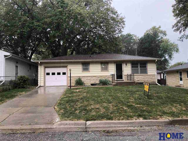 2417 S 39th Street, Lincoln, NE 68506 (MLS #22123213) :: Lincoln Select Real Estate Group