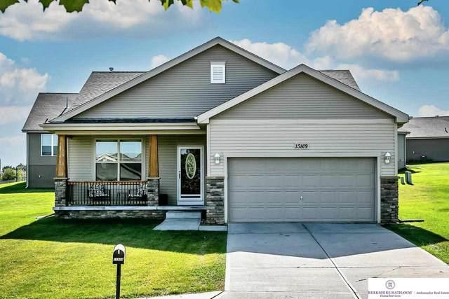 15809 Young Circle, Bennington, NE 68007 (MLS #22123407) :: Don Peterson & Associates