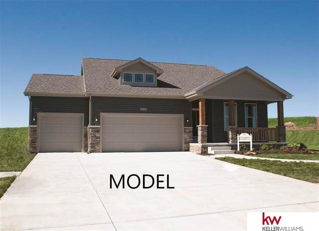 8210 N 171 Avenue Circle, Bennington, NE 68007 (MLS #22123409) :: Lincoln Select Real Estate Group