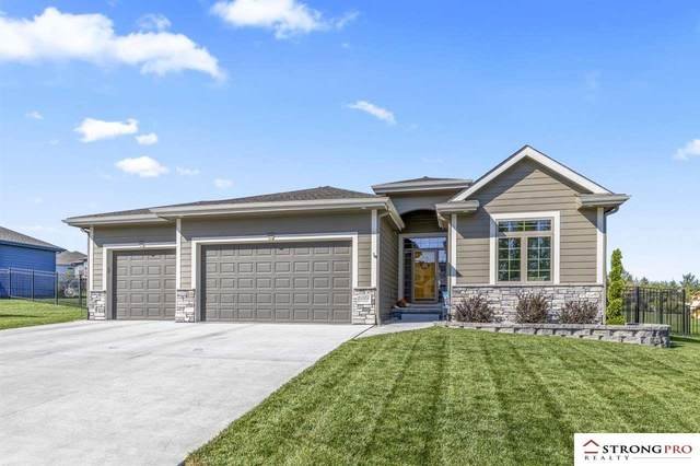 16904 Bondesson Street, Bennington, NE 68007 (MLS #22123437) :: Lincoln Select Real Estate Group