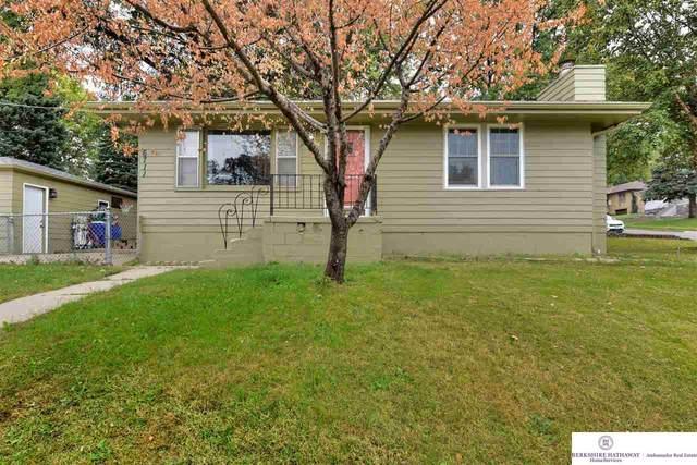 6711 S 41 Street, Omaha, NE 68107 (MLS #22123479) :: Lincoln Select Real Estate Group