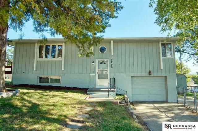 4205 Mid City Avenue, Omaha, NE 68107 (MLS #22123652) :: Elevation Real Estate Group at NP Dodge