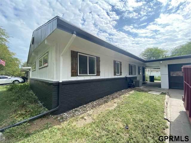 5001 Colfax Avenue, Lincoln, NE 68504 (MLS #22123658) :: Lincoln Select Real Estate Group