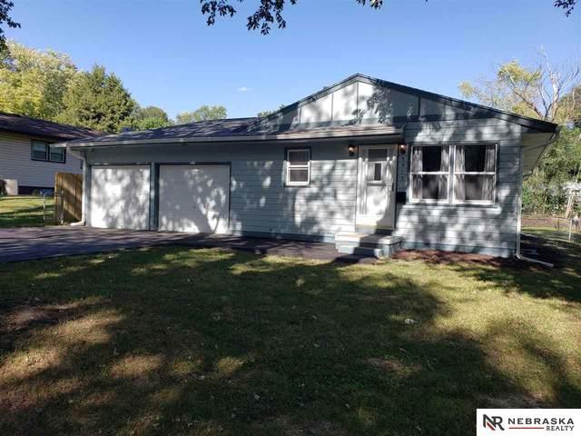 5915 N 47th Street, Omaha, NE 68104 (MLS #22123735) :: Lincoln Select Real Estate Group