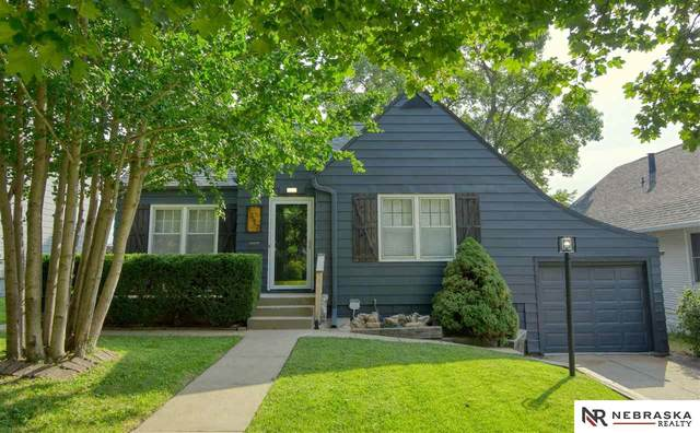 1417 S 52nd Street, Omaha, NE 68106 (MLS #22123737) :: Lincoln Select Real Estate Group