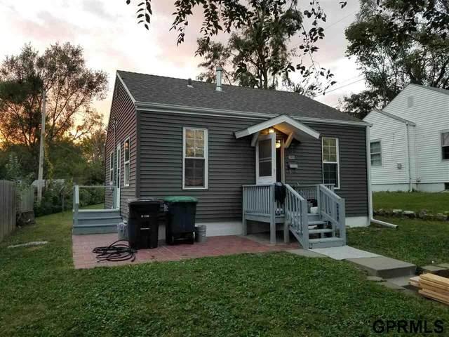 6212 S 34 Avenue, Omaha, NE 68107 (MLS #22123810) :: Lincoln Select Real Estate Group